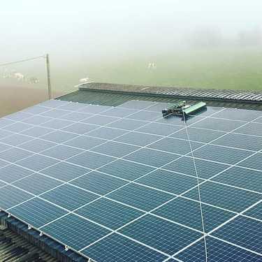 Nettoyage 600 m2 de panneaux photovoltaïques