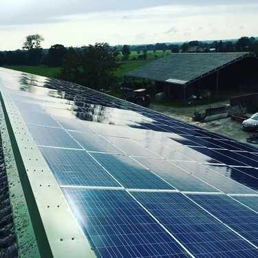 Nettoyage panneaux photovoltaïques - Bourgbarré Bretagne